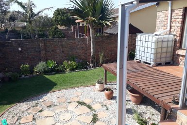 - 1 1 385x258 - 2 Bedroom Townhouse in Newton Park, Port Elizabeth