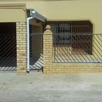 2 Bedroom House for sale in Kwanobuhle