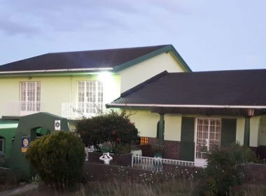 6 Bedroom House For Sale in Malabar